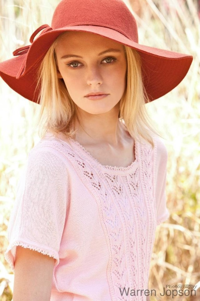Fashion hair and makeup – country style